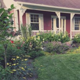 Aménagement paysager résidentiel : plates-bandes.